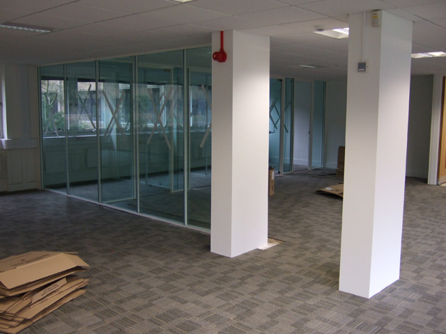 Glazed office partitioning company