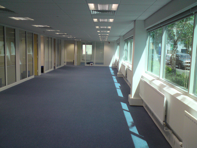 Suspended ceiling tiling company - Advanced Partitioning Solutions Dorset